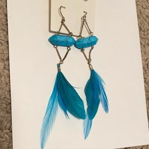 Jewelry - Teal feather dangly earrings